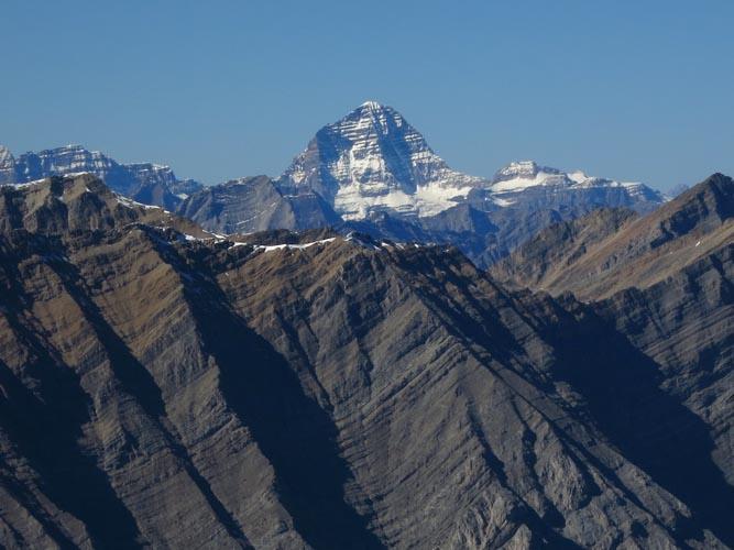 Hood_IMG_3147_Mount Assiniboine (view W from Mount Hood)